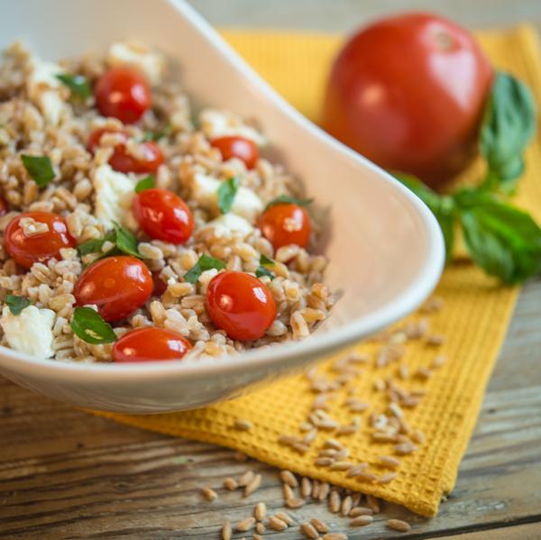 farro-caprese-salad-2